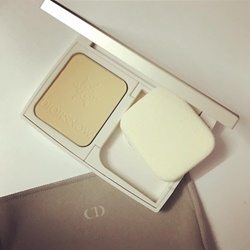 Phấn nền Diorsnow compact white reveal pure & perfect