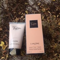 Dưỡng thể nước hoa Body Lotion Lancôme Trésor , 150ml