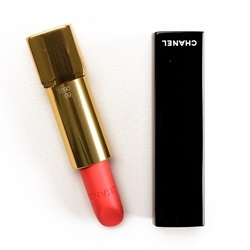 Son Chanel Rouge Allure Velvet màu 60 Rouge Troublant