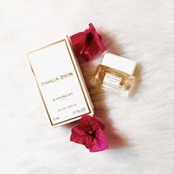 Nước hoa mini nữ Dahlia divin Givenchy 5ml