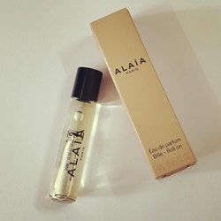Nước hoa Mini Alaia Paris EDP chai 5ml đầu lăn