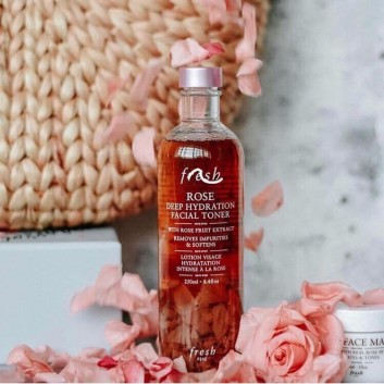 Nước hoa hồng F.r.e.s.h Rose Deep Hydration Facial Toner 250ml